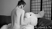 Black Goth girls agrees to suck and fuck with teddy bear at casting, jizz in mouth Vorschaubild