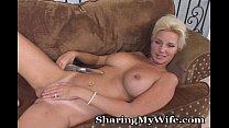 Mature Hottie Opens Her Pussy For Pleasure Vorschaubild
