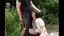 私のマ●コ触ってください!野外羞恥プレイされる人妻!背徳の旦那にピースサイン!