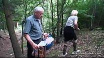 Mature slut piss and gives head thumbnail