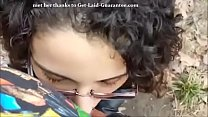 Horny girlfriend sucks in publick park and swallows