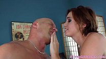 Gorgeous prodomme pegging sub after smoking
