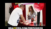 Screenshot Kianna Dior Turns Her Charity Kissing Booth Int