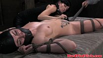 Sensorial deprived slut in threesome