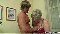 Old housewife gets nailed by an young guy