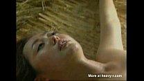 สาวญี่ปุ่นโดนชนเผ่าเงี่ยนจับตัวไปเลยโดนลงโทษเย็ดหีใส่ท่ายากกันครางลั่น