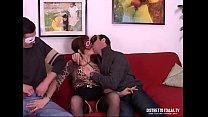 Marito si fa chiavare la moglie dal collega di ... Thumbnail