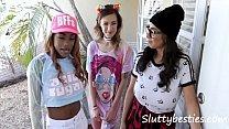 Teen Arcade Girls Gangbang One Joystick