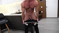 Straight Muscle Masseur MaxXx Jerks Off Huge Di