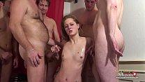 Blondes Model von 5 Kollegen abgefickt - SPM No...