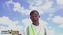 BANGBROS - Lil D The Crossing Guard Gets Rose Monroe's Big Ass On His Face - 69VClub.Com