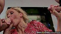 Dirty milf (Julia Ann) needs dp to keep herself happy - Brazzers