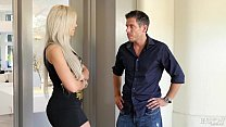 Estate agent really wants to sell - Nina Elle a...