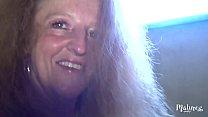 Magdalena, cougar blonde et salope, baise deux petits jeunes