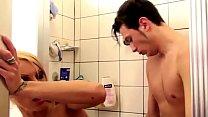 German Step-Mom help Son in Shower and Seduce to Fuck Vorschaubild