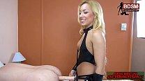 Deutsches BDSM Teen gibt ihren 1. Fetisch Unterricht mit Facesitting Strapon Vorschaubild