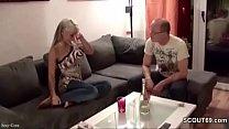 Tochter wird vom Stiefvater der Freundin Gefickt und Besamt Vorschaubild