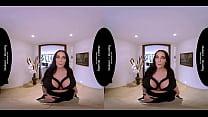 MatureReality - Mom has Massive Ultra Tits Vorschaubild