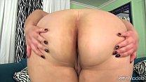 Chubby beauty Jade Rose masturbates Preview