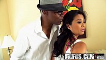 Mofos - Milfs Like It Black - Lucky Starr - Lit...