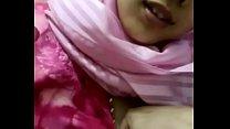 Ustazah Bertudung Pink