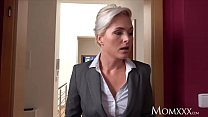 MOM Estate agent MILF wakes and fucks horny stu...