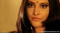 Bollywood Babe Indian Style MILFer porn image