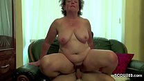 Step-Mom Help Young Boy With His First Fuck to Lost Virgin Vorschaubild