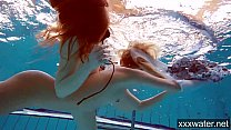 Hot Russian girls swimming in the pool Vorschaubild