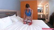Kenzie Madison make guy hard by twerking Vorschaubild