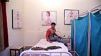 लेडी डॉक्टर ने उठाया पेशेंट का फायदा - Lady Doctor Ne Uthaya Patient ka Phayda (1)
