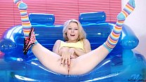 Michelle Moist shows off her orgasm thumbnail