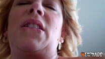 Experienced MILF grinds dude's dick