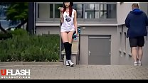 Teen Flash in Public