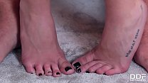Pierced bombshell Subil Arch's sexy feet relished and fucked by horny guy