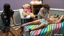 14133 Tiozin leva sarrafo de novinha e gravida preview