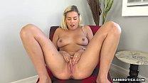 Masturbation video of Sophia Lux looks as hot as fuck