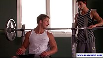 Straight dude swayed to gay during gym bj