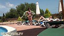 German Camgirl fuck at the Hotel Pool Vorschaubild