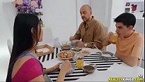 Gostosa Traindo O Corno com O Seu FILHO!!!
