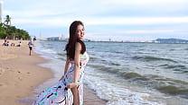 公众号【福利报社】泰国正妹海滩抹胸礼服性感写真