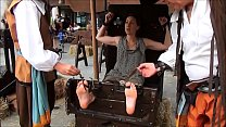 candid feet at the faire teenfeet.ca thumb