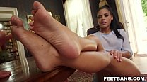 Apolonia Lapiedra spiced up sex with some foot fetish