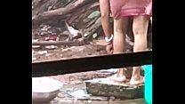 Sexy indian bhabi bathing