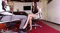 Latina Shay Evans does Footjob Vorschaubild