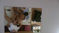 Mutter fickt Stief-Sohn und dessen Freund mit grossen Teil Vorschaubild