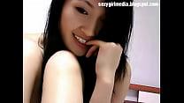 8742 Asian sexy girl showcam nude preview