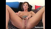 Yanks Kinky Electra Masturbating image