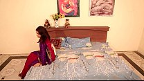 Shruti bhabhi - नोकर और मालकिन romance with Servant in absense of her Husban