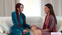 Stepmom facesits her redhead stepteen